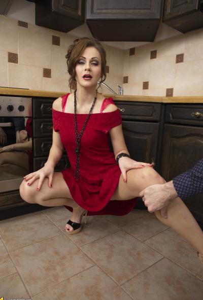 Анал с женой на кухне 3 фото