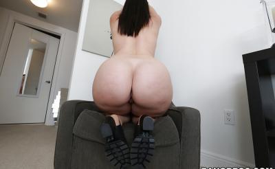 Девушка с большой сочной жопой 16 фото