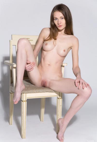 Студентка проходит кастинг на роль порномодели 11 фото