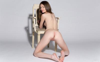 Студентка проходит кастинг на роль порномодели 12 фото