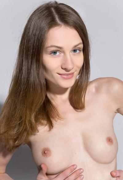 Студентка проходит кастинг на роль порномодели 14 фото