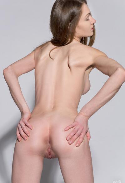 Студентка проходит кастинг на роль порномодели 7 фото