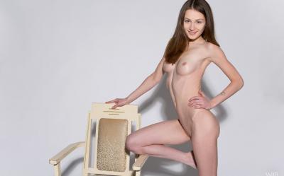 Студентка проходит кастинг на роль порномодели 9 фото