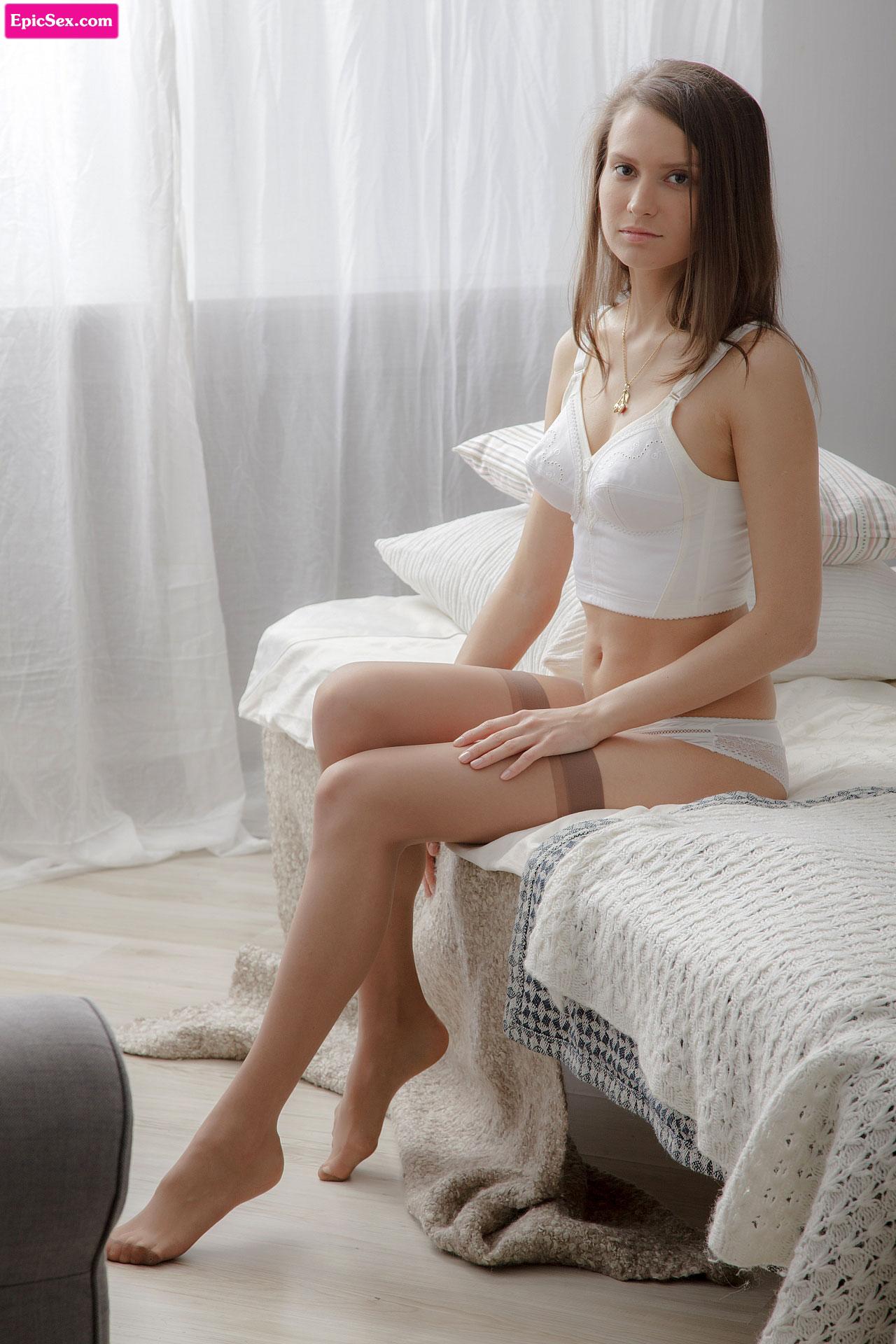 Секс молоденькие в чулках