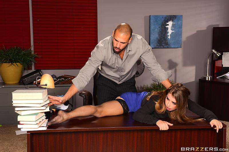 фото босс трахает секретаршу