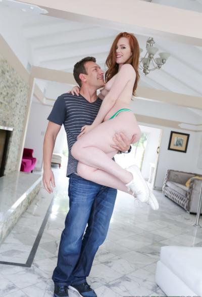 Секс с молодой рыжей красоткой Ella Hughes 6 фото