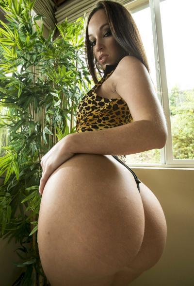 Порнозвезда с большой жопой Jada Stevens 1 фото